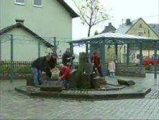 hierzuland neuer  dorfbrunnen november 2005